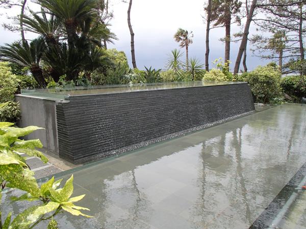 浦安Hホテル チャペル「壁泉」噴水01